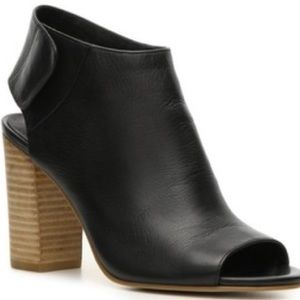 Pre owned Crown Vintage Avery Open Toe Bootie